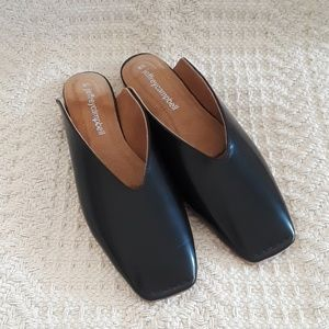 NWOB Jeffrey Campbell Square Toe Slides Size 8.5